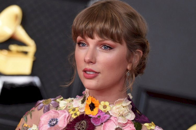 Taylor Swift Luncurkan Lagu Unreleased 'You All Over Me'